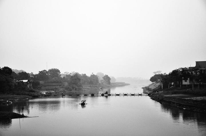 Bên sông Đáy
