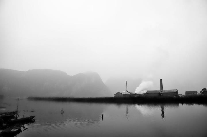 Sương khói buổi sớm tại Hồng Sơn