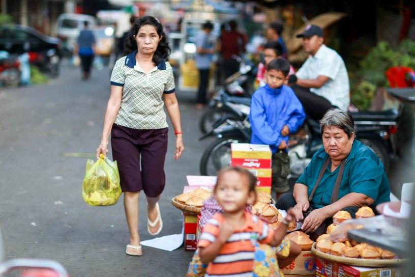Một chợ nhỏ tại Phnom Penh