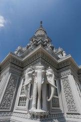 Khu bảo tháp mới