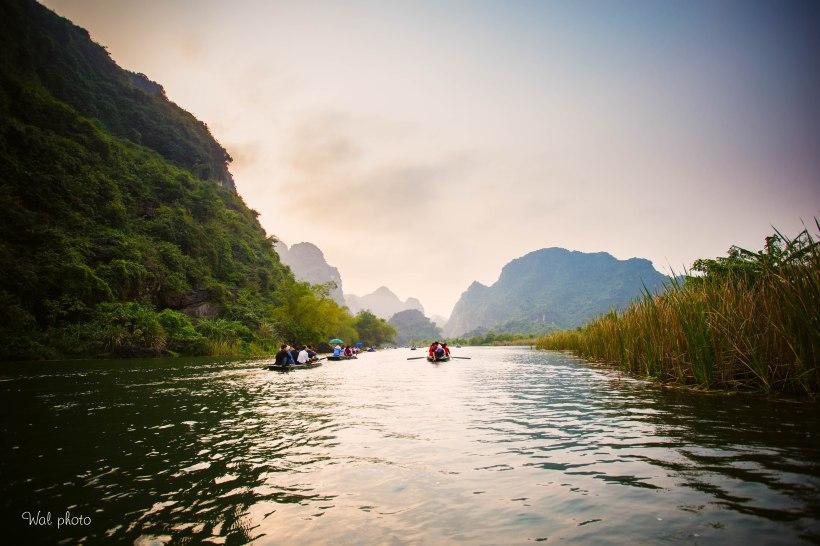 Du thuyền tại Tràng An, Ninh Bình